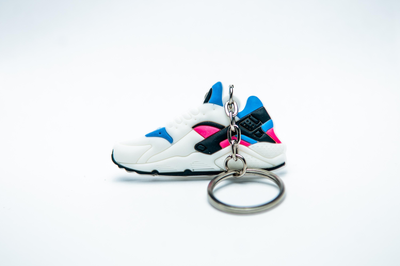 6a78fbe3e380 Nike Air Huarache OG - White Game Royal-Dynamic PinkKool keyrings