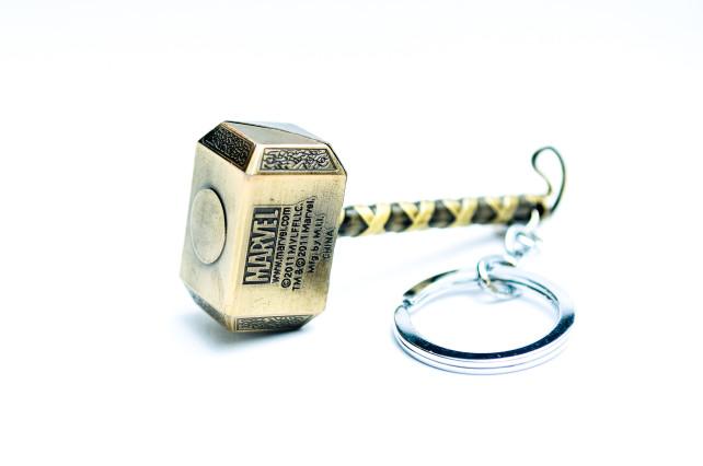 Thor hammer keyring Gold