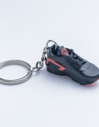 3D Exclusive Black Red Retro Nike Air Huarache keyring trainers 2