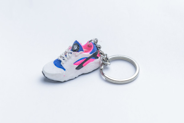3D Exclusive Blue Pink Retro Nike Air Huarache keyring trainers 4