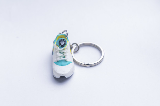 3D Exclusive Green Yellow Retro Nike Air Huarache keyring trainers 2