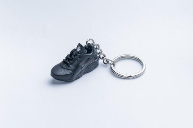 3D Exclusive Triple Black Retro Nike Air Huarache keyring trainers 3